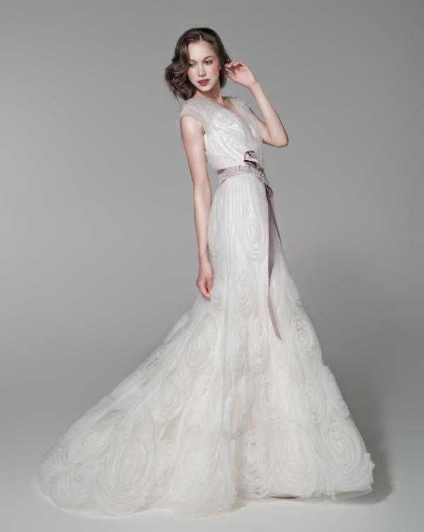 426f0a7f9b7f Alena Goretskaya per Papilio 2012 collezione abiti da sposa estivi 4 ...