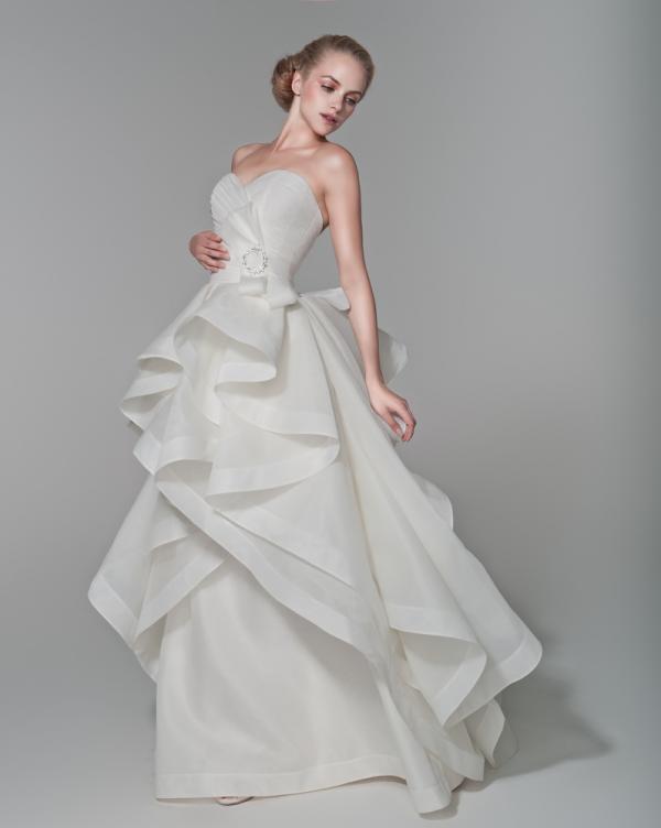f8a9d3080855 Alena Goretskaya per Papilio 2012 collezione abiti da sposa estivi 8 ...